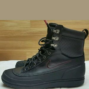 NIKE Black ACG TYCHEE Leather Mid Boot 7